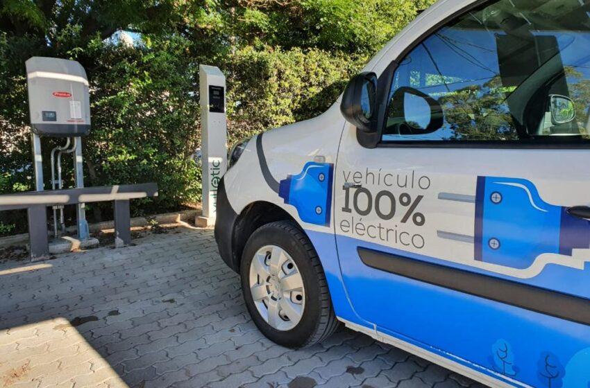 Hotel Berna estrenó su estación de carga para autos eléctrico