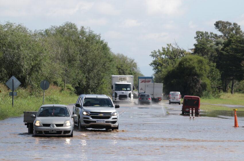 Intensa lluvia provocó anegamiento en toda la provincia.