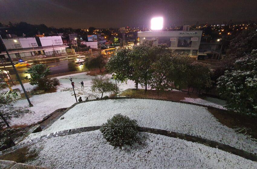 Frío polar en el país: las mejores fotos y videos de la nevada en Córdoba. FOTOGRAFIA MAURO CACERES