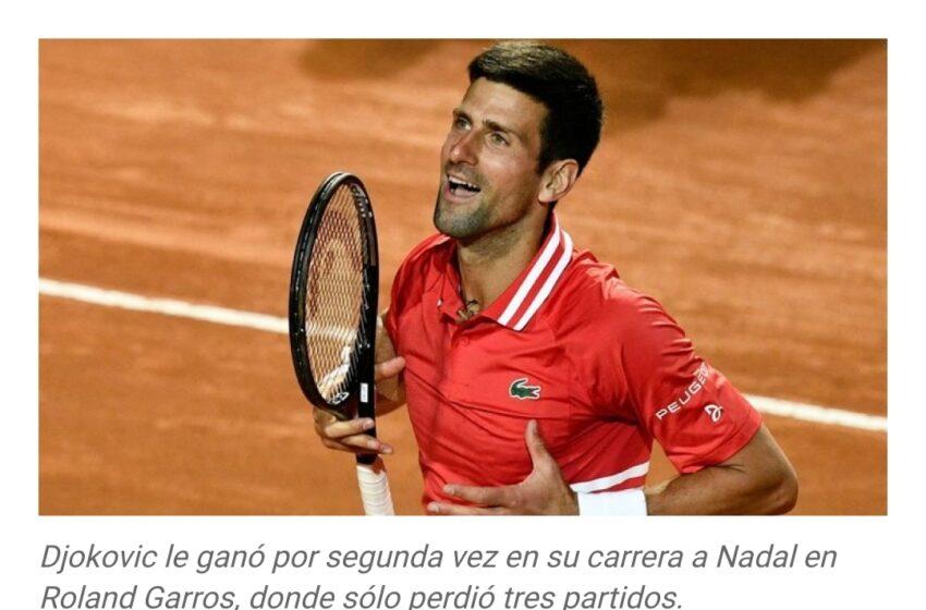 Djokovic venció a Tsitsipas y se quedó con el torneo de Roland Garros por segunda vez en su carrera