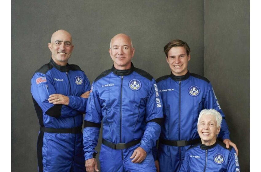 Jeff Bezos, el hombre más rico del mundo, realizó un exitoso viaje al espacio