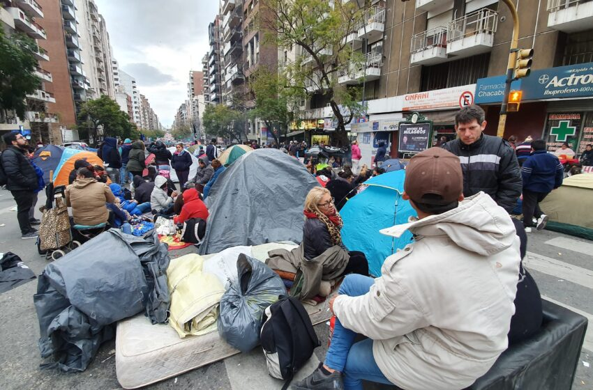 La mitad de los argentinos cayó en la pobreza, según un informe gubernamental